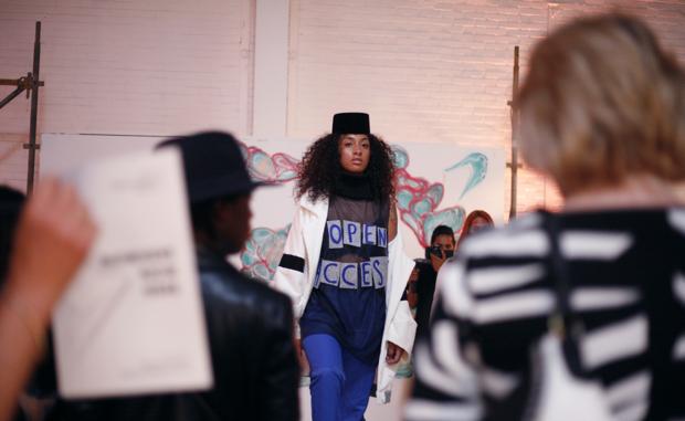 Mode wordt in ons zicht en in onze kledingkast gesmeten!
