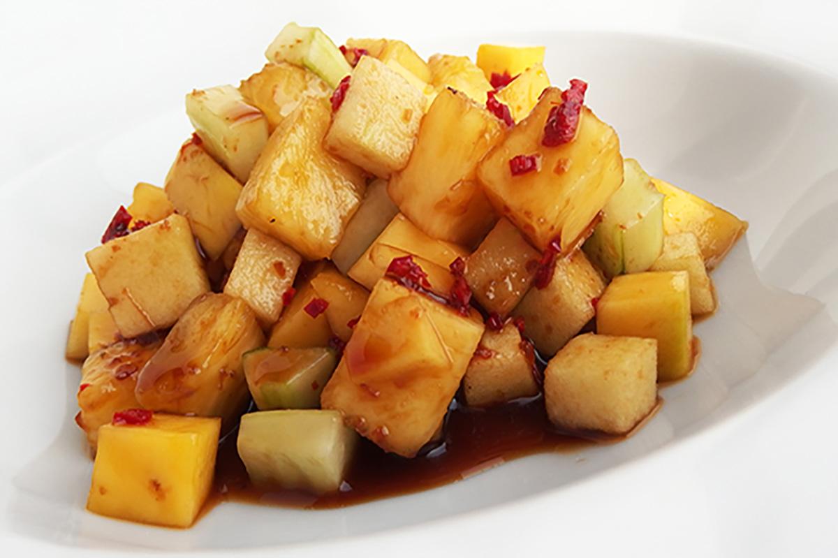Roedjak, een zomerse en pittige fruitsalade